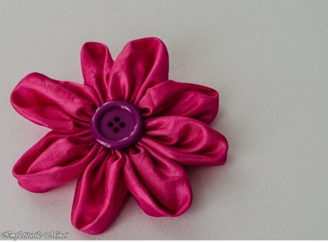 "Floare din material textil: ""Margaretă"""