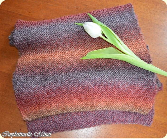 "Fular tricotat ""Punct leneș"""
