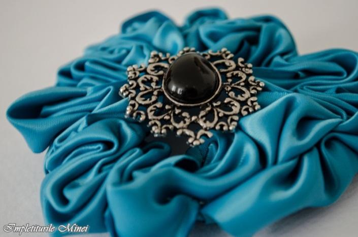 """Floare din material textil """"Crizantemă"""""""