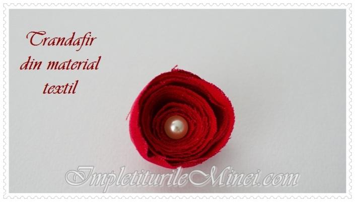 Trandafir din material textil