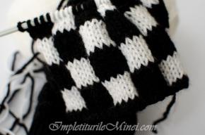 """Modelul de tricotat """"Tablă de șah în alb șinegru"""""""